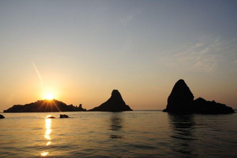 Ciclopi Islands - Sunset