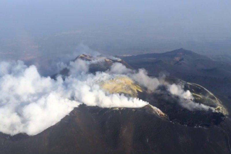 Helicopter flight volcanos of Sicily - Etna