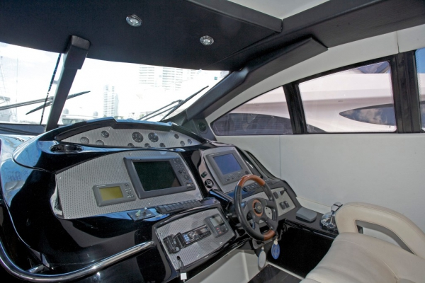 Sunseeker Predator 75 - Sicily Private Spot