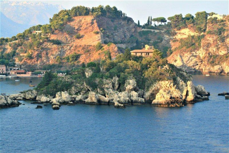 Taormina Bays