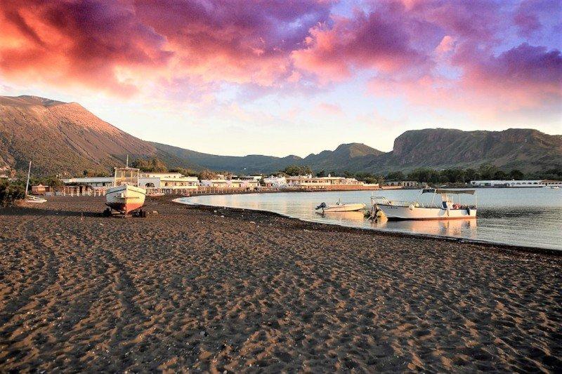 Aeolian Islands - Vulcano - black sands