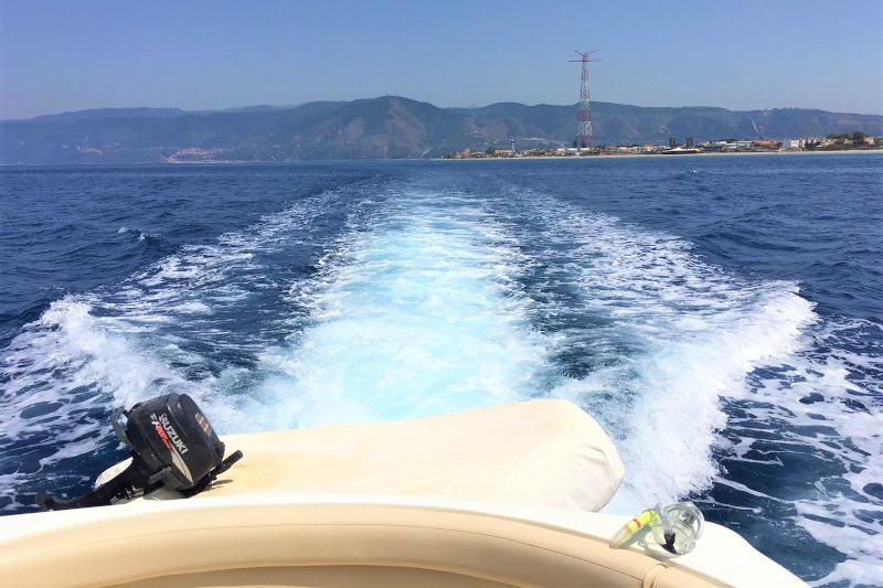 Aeolian transfer by boat - Watertaxy Eolie - Messina streight